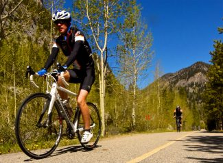 Summit County Bike Guide: Breckenridge to Frisco on the Blue River Recreational Path (video)