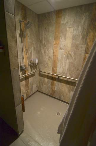 The private shower and dressing area attached to all three float rooms at Vive Float Studio in Frisco. Each 60-minute float session begins with a shower to protect the magnesium and other restorative minerals in the water.