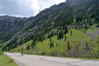 Summit County Bike Guide: Ten Mile Rec Path (video)