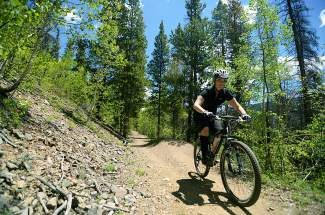Breckenridge Bike Guide: X10U8 trail (video)