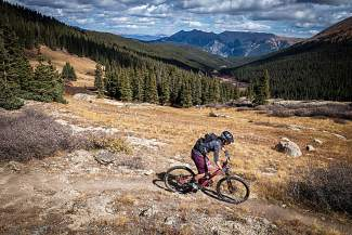 Summit local Sarah Rawley doing what she does best: making singletrack look easy. The Oregon native picked up mountain biking in college at Colorado State University and has turned it into a full-time job with women's only clinics and rides.