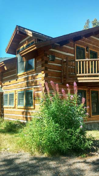 The Ophir Lodge still welcomes guests to the Bill's Ranch neighborhood.