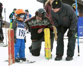 Frisco Mayor Gary Wilkinson gives young skiers a pep talk before the final Bubble Gum ski race of the season at Frisco Adventure Park on March 25.
