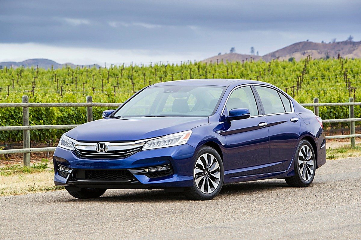 The 2017 Honda Accord Hybrid Can Provide 50 Mpg But Struggles With Revving Up To Try And Climb Mountain Roads In High Country