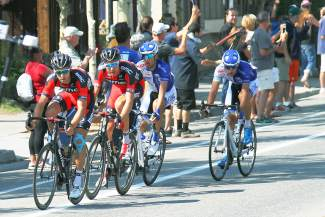 The top-four finishers approach Wellington Street in Breckenridge, led by BMC Racing's Brent Bookwalter and Rohan Dennis.