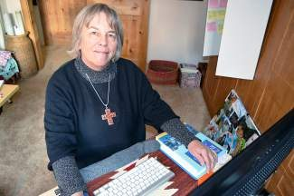 Summit County Right Brain: From journalist to sea captain, Breckenridge local now writes romance novels