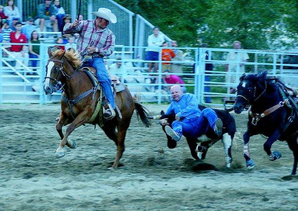 Sharp S Wild Ride Caps Second Night Of Rodeo Summitdaily Com