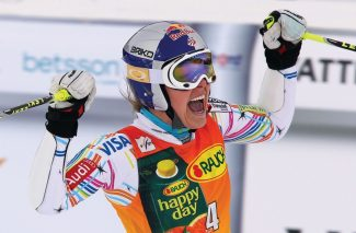 "ADVANCE FOR WEEKEND EDITIONS, SEPT. 15-16 - FILE - This March 9, 2012 file photo shows Lindsey Vonn of the United States, celebrating after winning a women's Alpine Ski World cup giant slalom competition in Are, Sweden. Vonn is in a good place heading into the World Cup ski season _ a ""really happy place"" as she likes to call it.(AP Photo/Alessandro Trovati, File)"