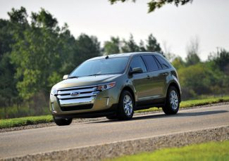 The 2012 Ford Edge delivers 30mpg on the highway hwy and 240 hp and 270 lb.-ft of torque with the 2.0L EcoBoost. (08/29/2011)