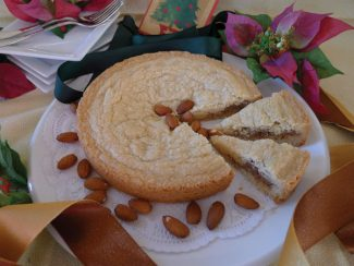 Special to the DailyAlmond Cookie-Cake