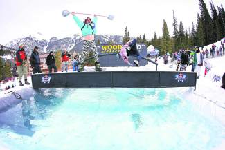 Pond skimming meets rail jam at 2016 Red Bull SlopeSoakers