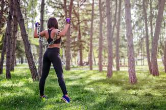 The secret to a great butt is more than running and biking. Local trainer Julie Wilson weighs in on the best gym exercises for a tone tush.
