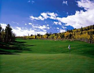 Tee Time: Hole 16 at The Raven at Three Peaks in Silverthorne