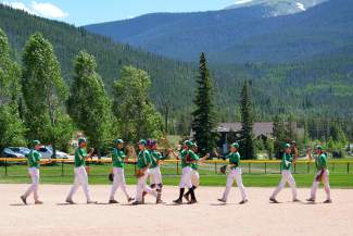 The Summit Extreme Black Diamonds ended their summer season with a nearly .500 record (14-15) and the deepest playoff run in team history. SBD lost in the fourth round of the double-elimination tourney to Grand Junction, 6-5 on July 14.