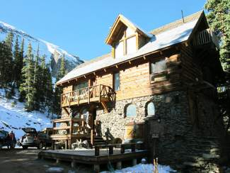 The Observatory, built on the edge of Alta Lake, is available for overnight rentals. The lodge includes three bedrooms, an updated kitchen, plus a variety of mining memorabilia.