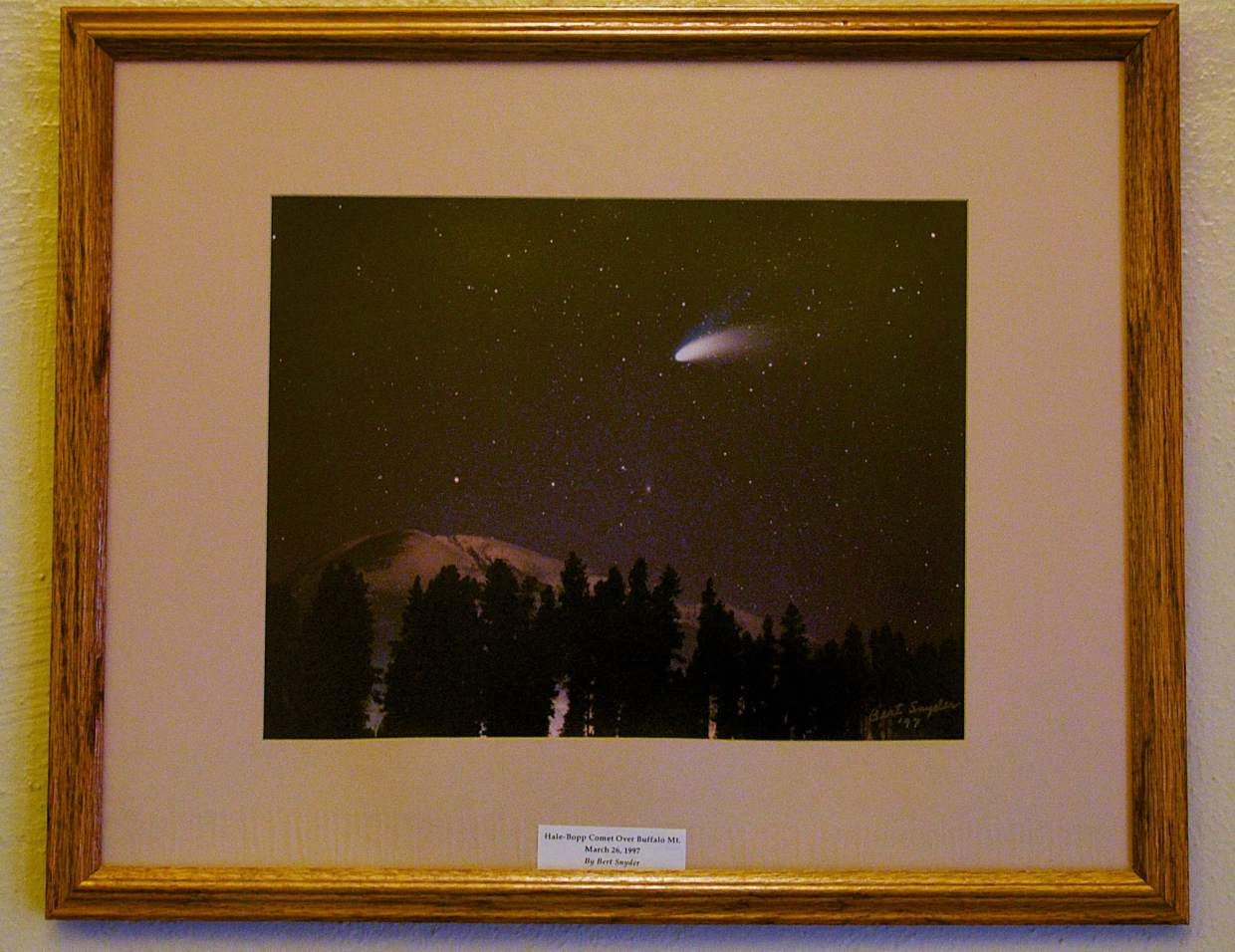 Bert Snyder's photo of the Hale-Bopp Comet over Buffalo Mountain in March 1997.