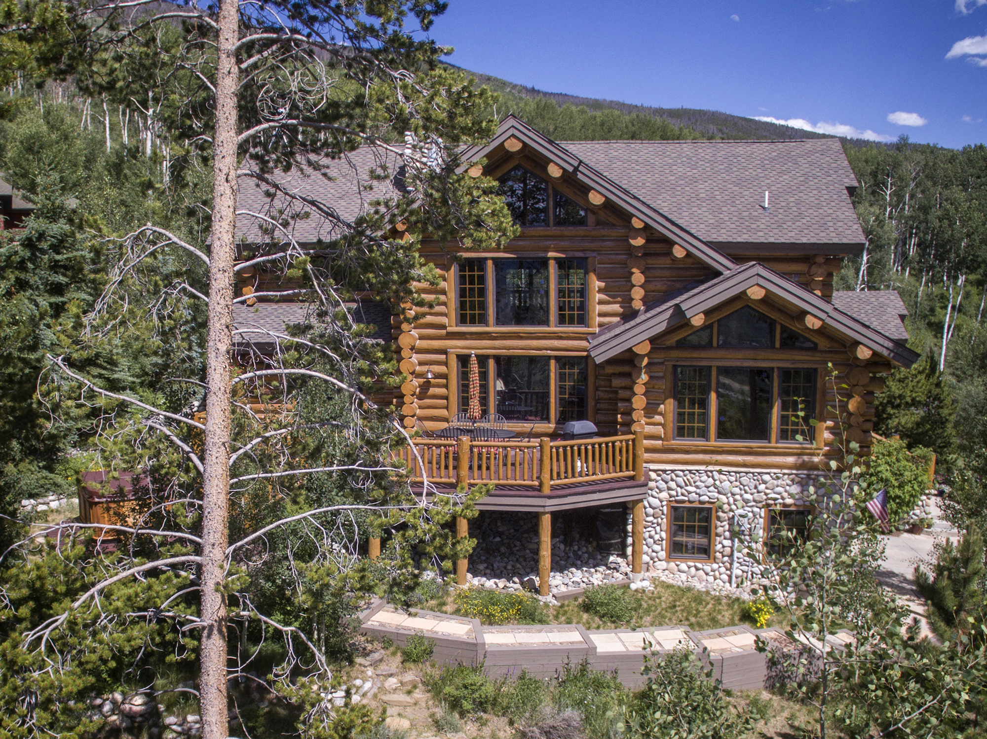 This log cabin located on 2191 Hamilton Creek Road in Silverthorne is currently listed through O'Brien & Associates Real Estate Inc., for $1,175,000.