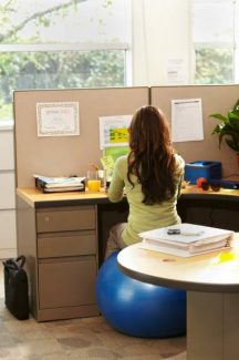 Four exercise and diet tips to stay fit at the office (sponsored)