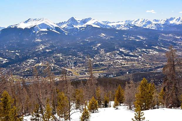 The northern stretch of the Gore Range, as viewed from the summit of Ptarmigan Peak near Silverthorne.