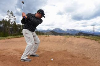 Tee Time: How to hit out of the sand like a golf pro (video)