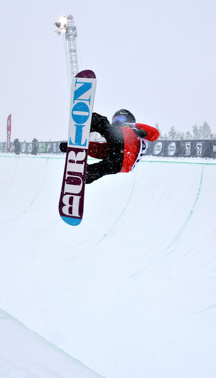 China's Xuetong Cai lofts a 720 during her first run at the women's Dew Tour snowboard halfpipe final on Dec. 11. Cai took fifth behind Jiayu Liu, Chloe Kim and Kelly Clark.