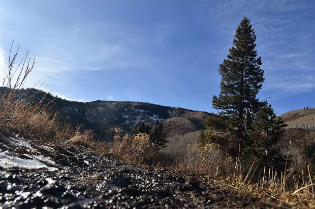Thanks to recent warm temperatures, mud was a constant around the majority of the Lower Cataract Lake loop trail.