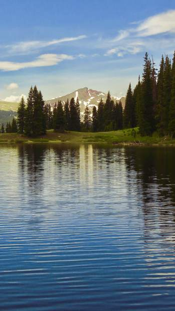 Wheeler Lakes near Copper Mountain makes for an easy day hike to a beautiful scene with plenty of wildflowers along the way.