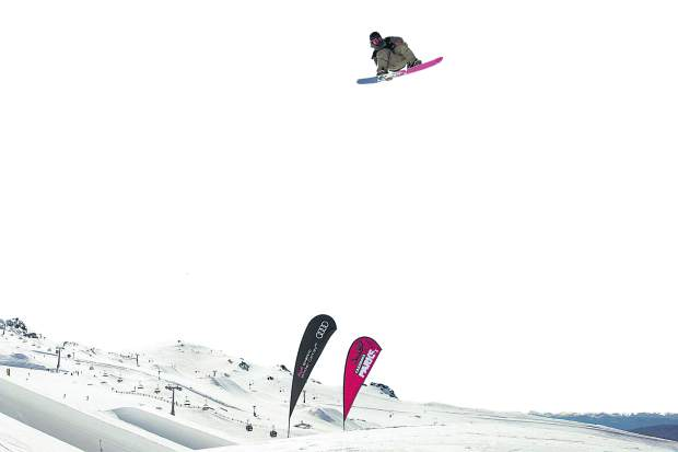 Chris Corning from USA wins the mens snowboard big air world cup final during the Winter Games NZ at Cardrona, New Zealand, Saturday, Sep. 8, 2018. (Iain McGregor/Winter Games NZ via AP)