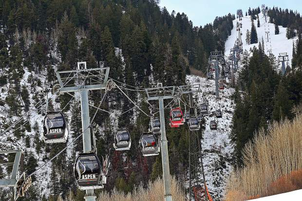 The lifts are officially turning on Aspen Mountain as opening day came early on Saturday, Nov. 17, 2018.