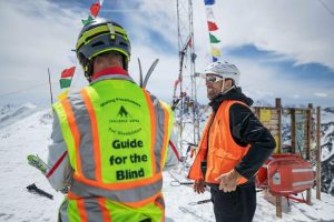 Blind adventurer Erik Weihenmayer tackles Aspen's Highland Bowl