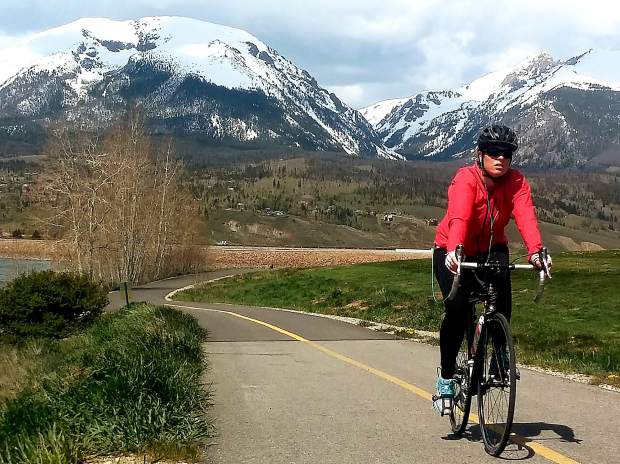 Summit County Bike Guide 2019: Lake Dillon Recpath   SummitDaily com