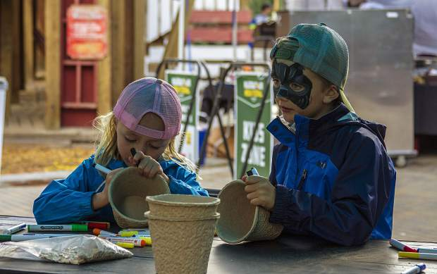 Mountain Town Music Festival is family friendly with plenty of activities for kids. Children can play in the Cave of Confusion maze, have their faces painted or paint their own harvest-themed sunflower pot.